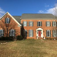 Furnished or empty bedroom w/ large bathrooms for rent close to Leesburg